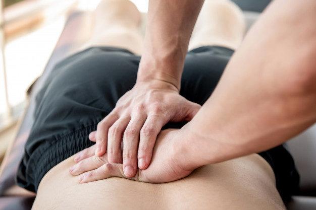 Craquement pendant séance d'ostéopathie